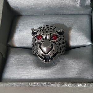 Jewelry - Panther Head Fashion Ring